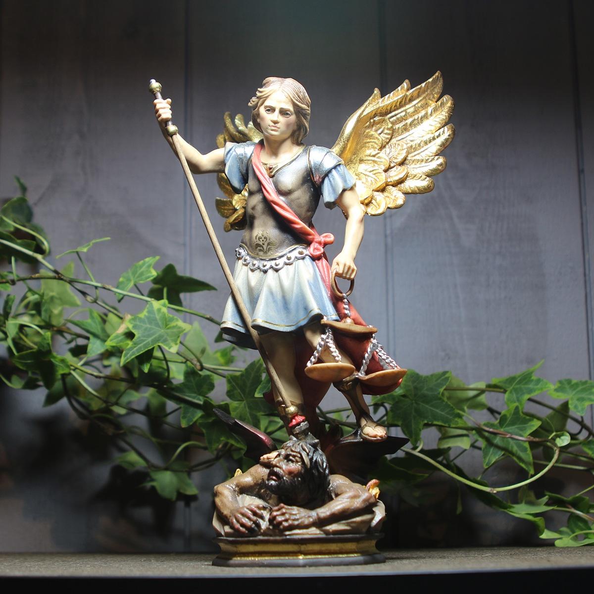 statue-saint-michel-archange-justicier-bois-sculpte_1